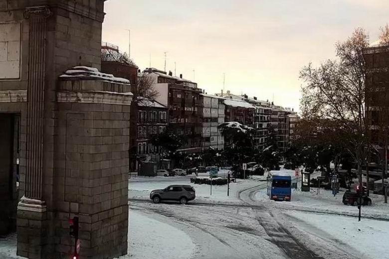 Madrid activa un plano interactivo para comprobar el avance de la limpieza de la nieve en las calles en tiempo real