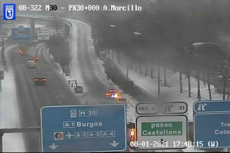 Cortada la salida de la M-30 a la M-607 dirección Tres Cantos y Colmenar por acumulación de nieve