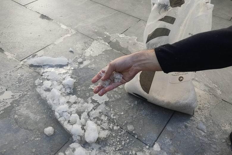 Alcorcón distribuye gratuitamente sal a través de 12 puntos de reparto distribuidos por toda el municipio