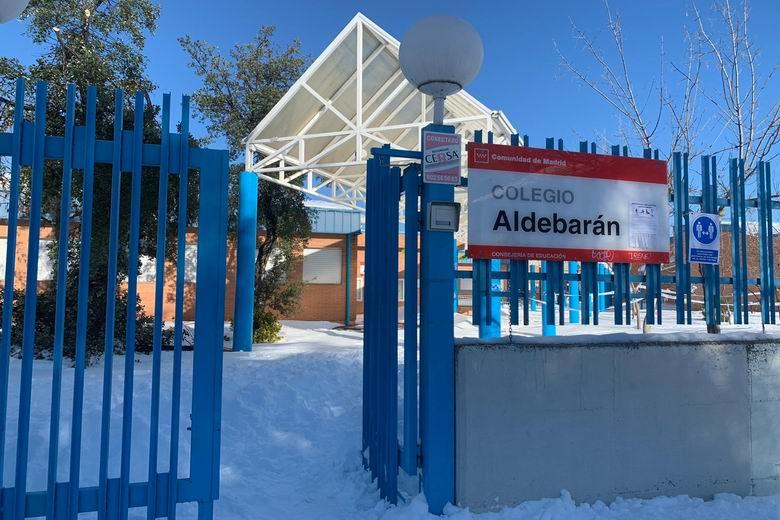 1.474 centros educativos de la Comunidad de Madrid tienen problemas de acceso por la nieve y el hielo tras el paso del temporal Filomena