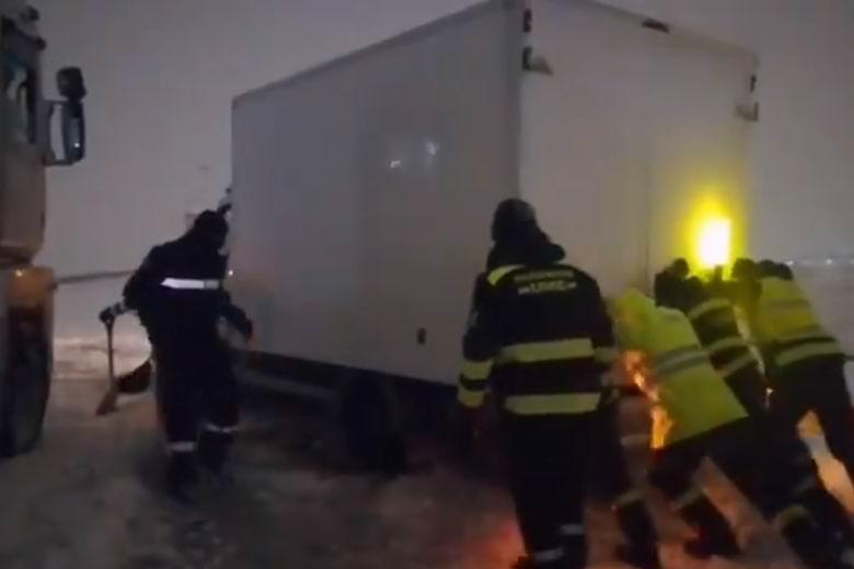 Activada la UME para la apertura de vías y rescate de vehículos en la A4, entre Ciempozuelos y Aranjuez, y en la A5, entre Móstoles y Alcorcón