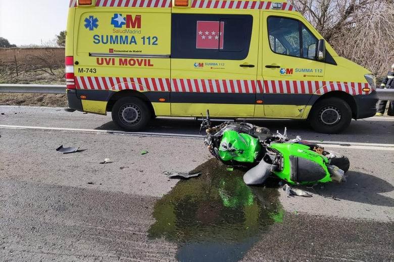 Fallece un motorista de 24 años tras un grave accidente de tráfico en la M-217 a la altura de Velilla