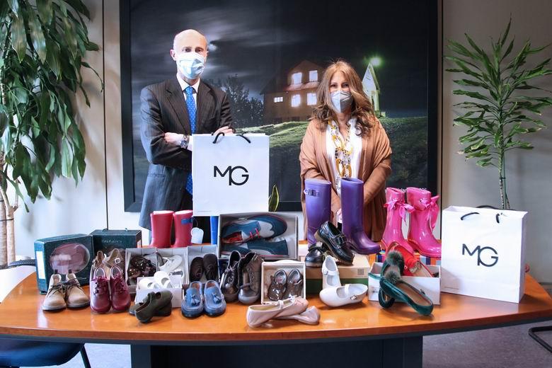 Moraleja Green dona al Ayuntamiento de Alcobendas calzado para las familias con necesidades