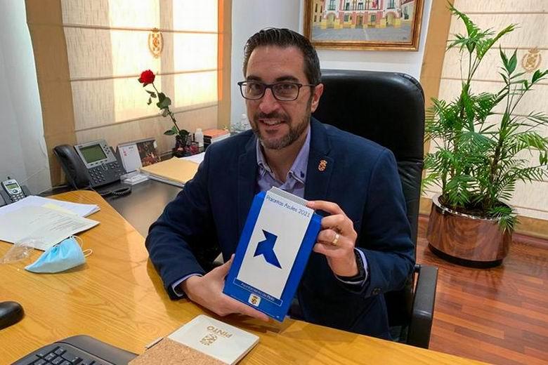 Pinto recibe por primera vez una Pajarita Azul por su gestión del reciclaje de papel