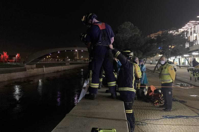 Rescatado en Madrid un hombre que había caído de forma accidental al Río Manzanares