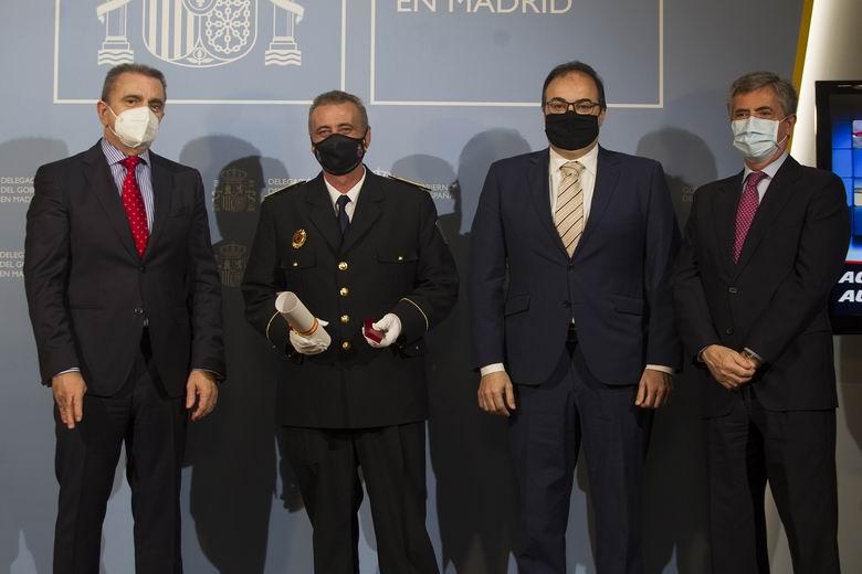 La Delegación del Gobierno de Madrid entrega la Medalla al Mérito de la Protección Civil a Teodoro Becedas, jefe de la agrupación de Leganés
