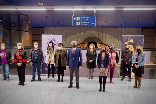 metro homenaje mujeres