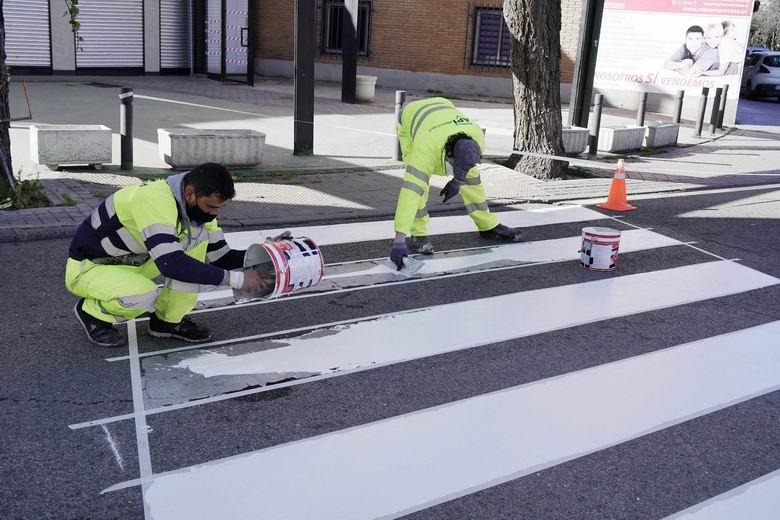 Móstoles pone en marcha la campaña anual de señalización horizontal