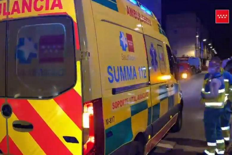 Herida con quemaduras una mujer en Parla tras la explosión de una botella de alcohol en su domicilio