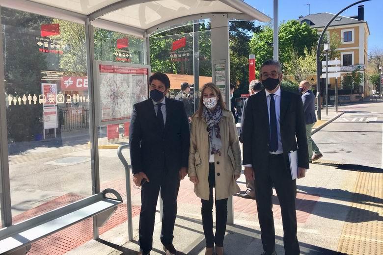 La Comunidad de Madrid mejora la accesibilidad de las 25 paradas de autobús en San Lorenzo de El Escorial