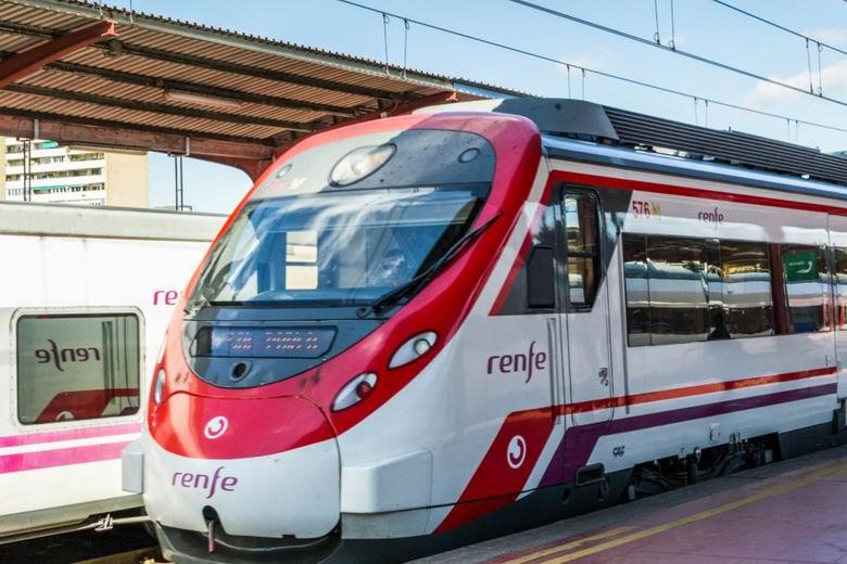 La Comunidad de Madrid renueva la financiación para  el uso de la tarjeta de transportes en la Red de  Cercanías