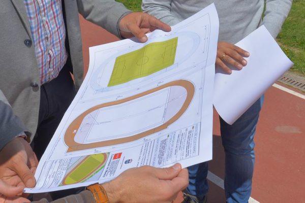valdemoro concurso remodelacion campo futbol polideportivo pista atletismo