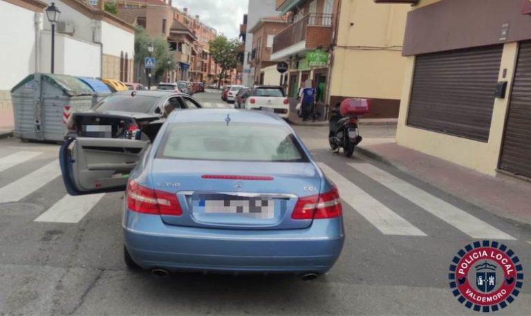 Aparatoso accidente de tráfico en Valdemoro tras sufrir un desvanecimiento al volante el conductor de uno de los vehículos